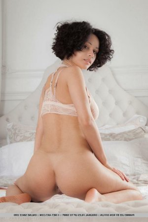 Linaly eros escorts in Mukwonago